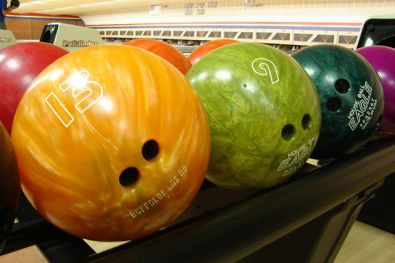 640px-Bowlingball
